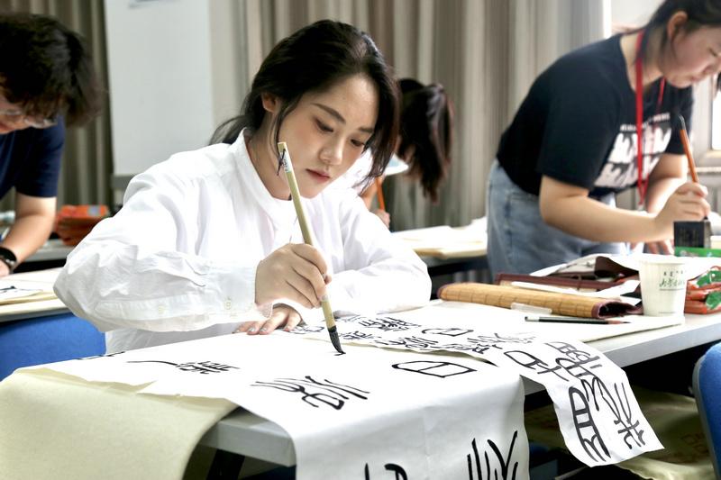 内蒙古首届高校教师学生基本功展示活动正式开启